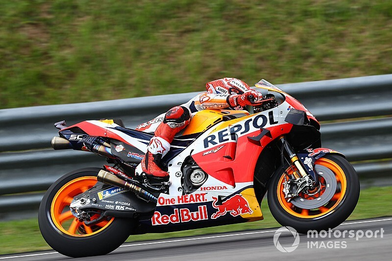 """【MotoGP】マルケス""""後追い戦略""""は向上心の現れ? ドヴィツィオーゾ、王者の""""姿勢""""は認める"""