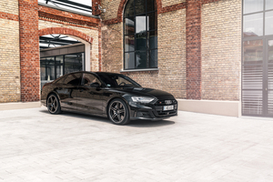 ABTスポーツラインがアウディ S8のアップグレードプログラムを発表。ポルシェ911に匹敵する加速力をもつサルーン
