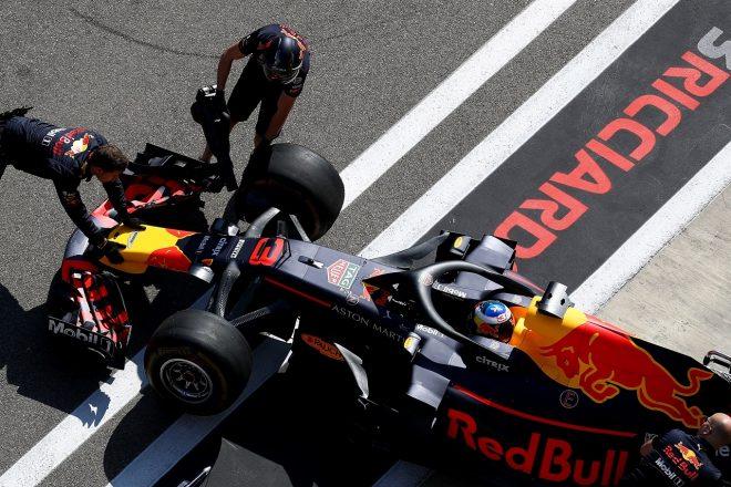 リカルド「予選では戦えなかったが、レースではオーバーテイクを披露し続けて、ファンを楽しませてみせるよ」:F1ロシアGP土曜
