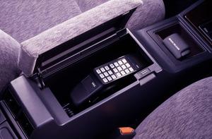 """ガイシャ・アルマーニ・携帯電話が三種の神器! 憧れだった""""モテ系""""自動車装備を振り返る"""