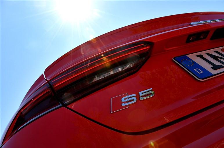 新型A5/S5クーペに海外試乗。計算され尽くした大胆さを感じる新デザイン
