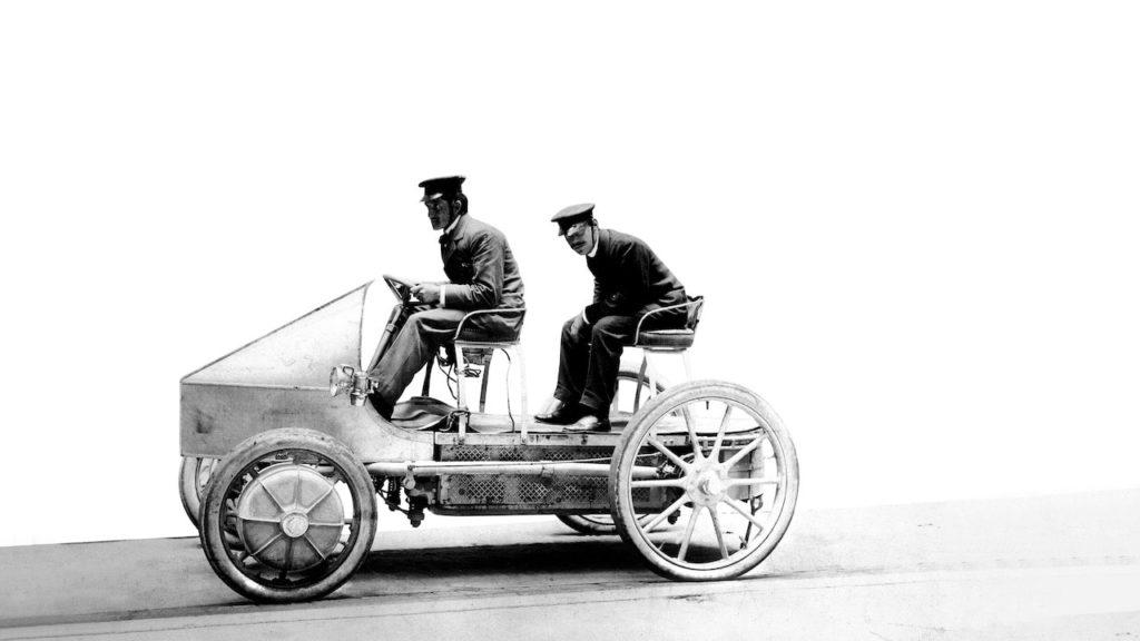 最新EVスポーツ「タイカン」に繋がる、ポルシェの電動パワートレイン史