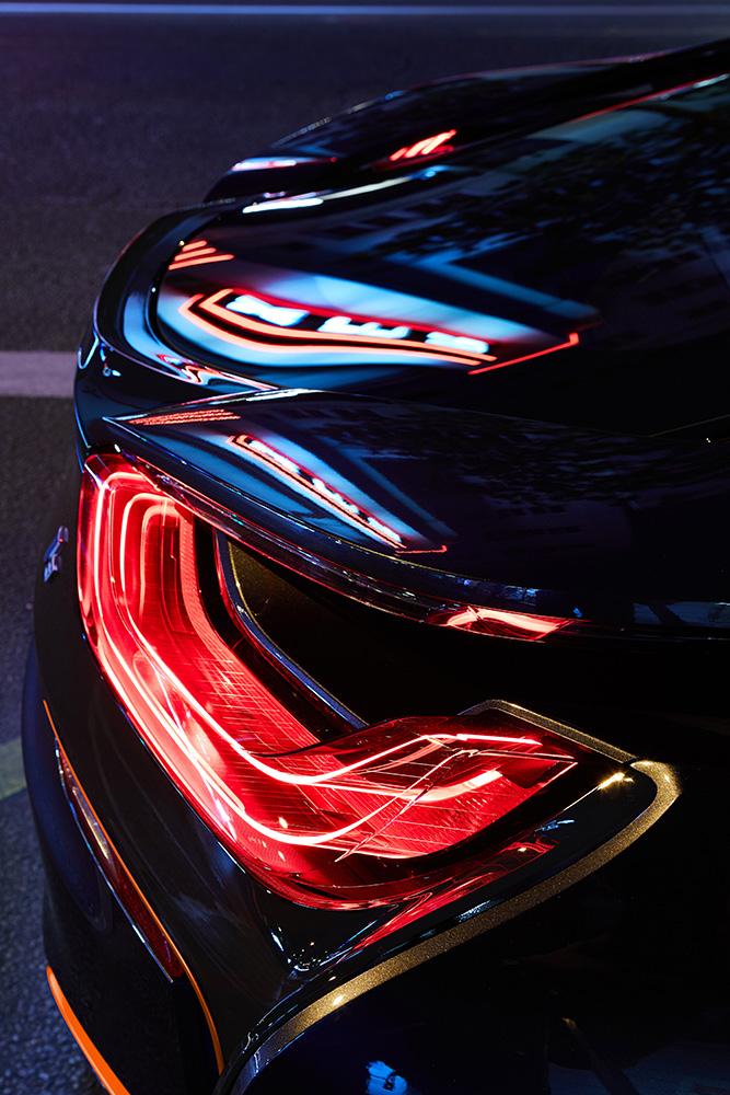近未来的で超絶カッコいい!BMWのPHVスポーツカー「i8」の特別仕様車Ultimate Sophist Edition
