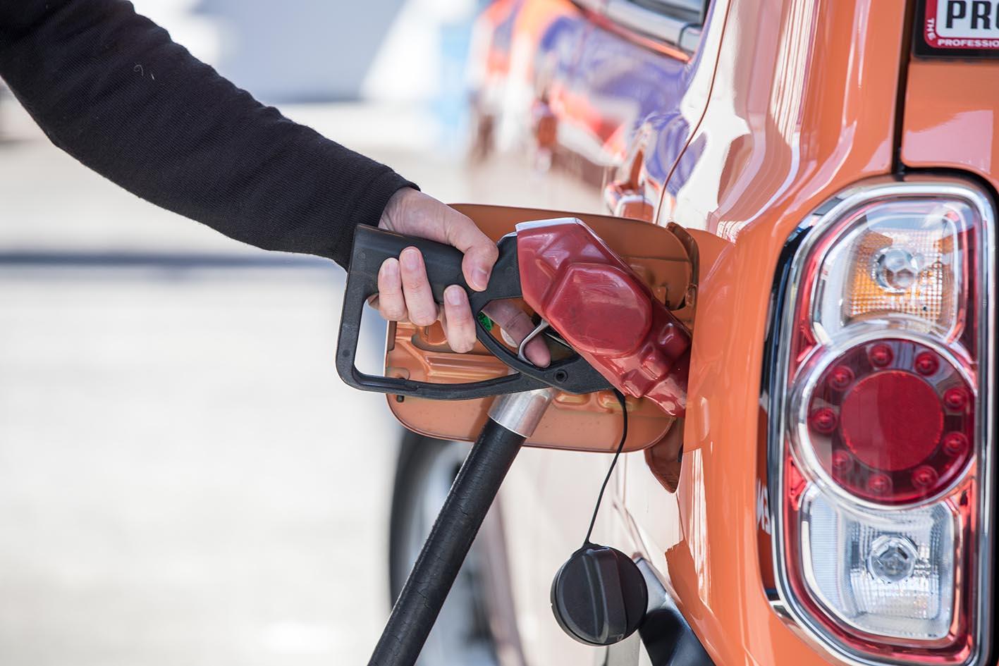 【昔の常識は今や非常識!?】ガソリンの賢い入れ方4選