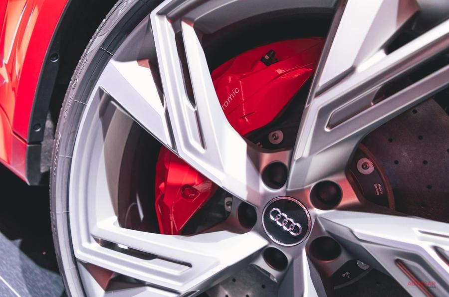 格好いいワゴン復権? アウディ新型RS6アバント デザイナーQ&A
