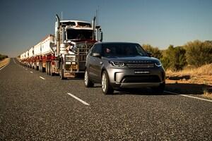 ランドローバー ディスカバリー、110トンのトレーラーのけん引に挑戦
