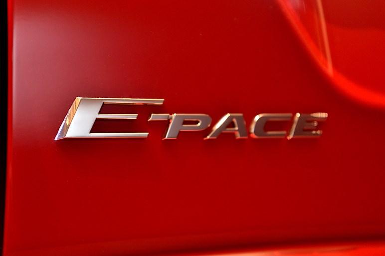 ジャガーの新型コンパクトSUV、E-PACE受注開始。価格は451万円~