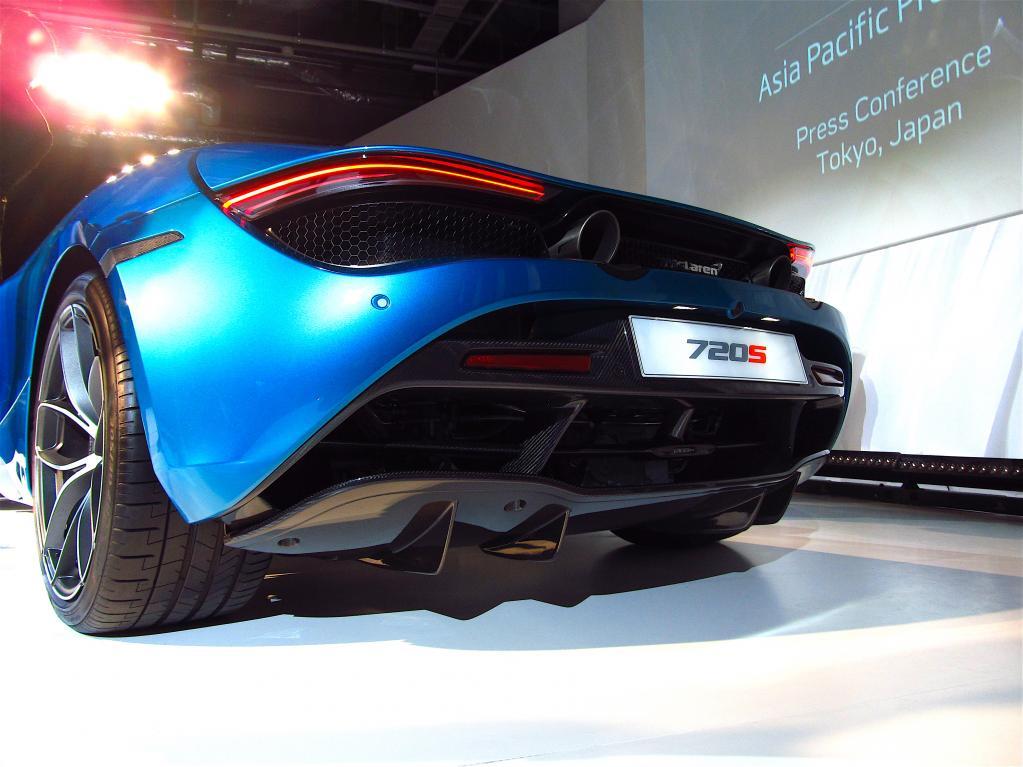 0-100km/h加速2.9秒! マクラーレン720Sスパイダーが日本上陸〈McLaren 720S Spyder〉
