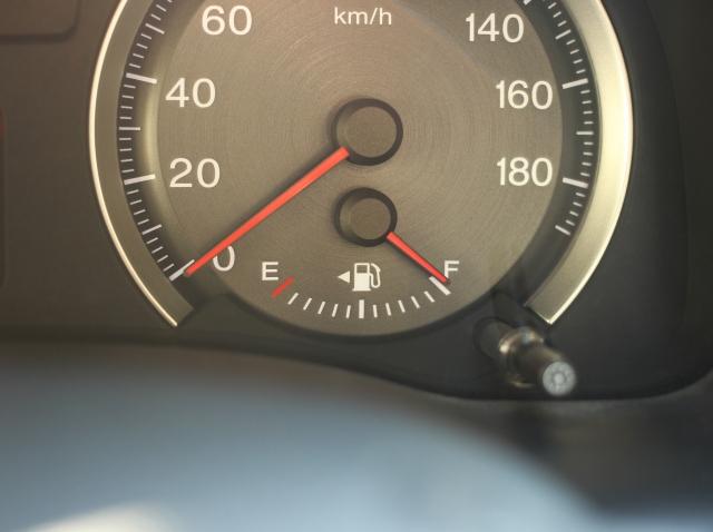 ガソリンを満タンにしない意味ある?計り売りがあるのはなぜ?