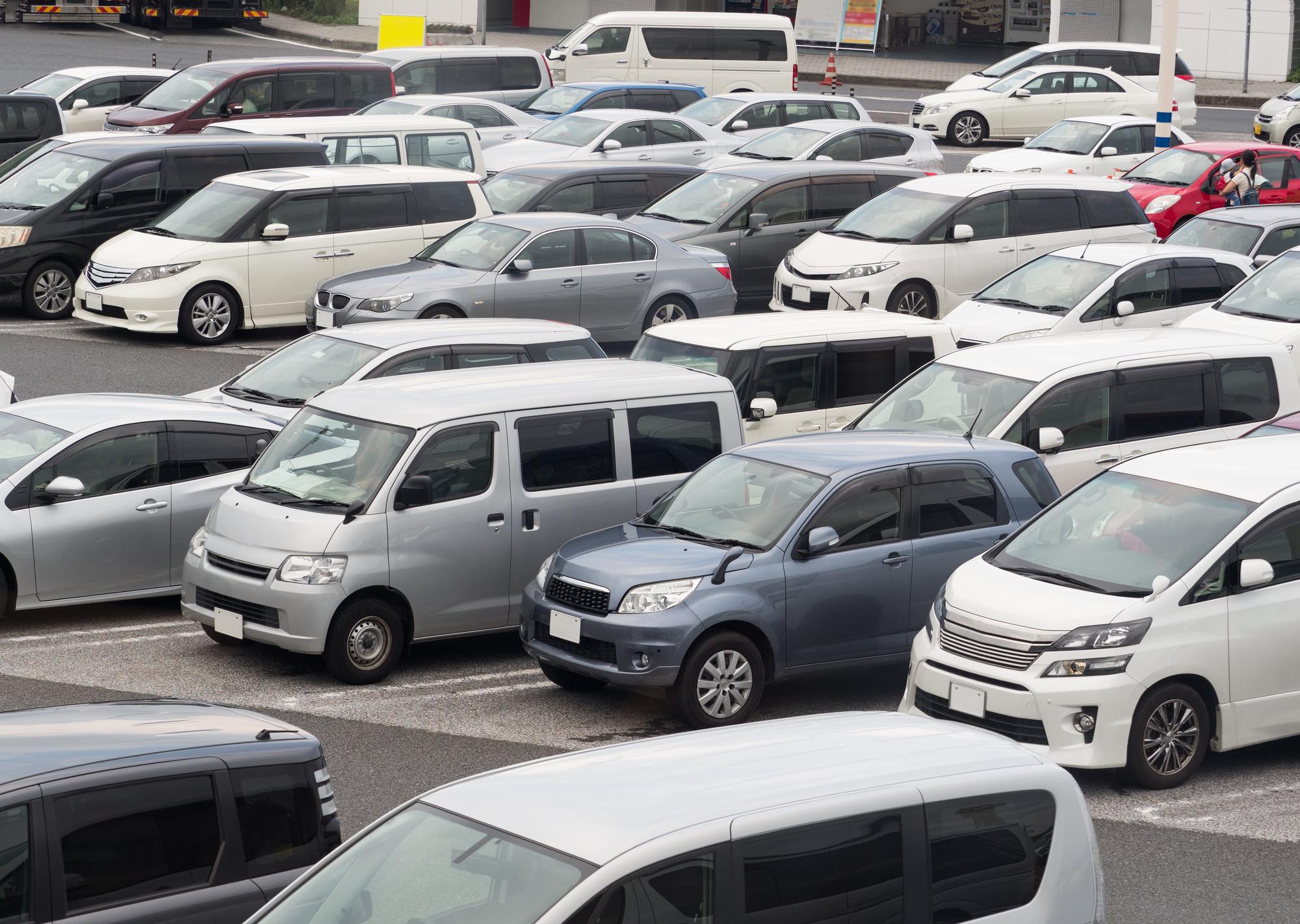 なんで軽自動車専用駐車スペースは出来たの?サイズには規定があるの?