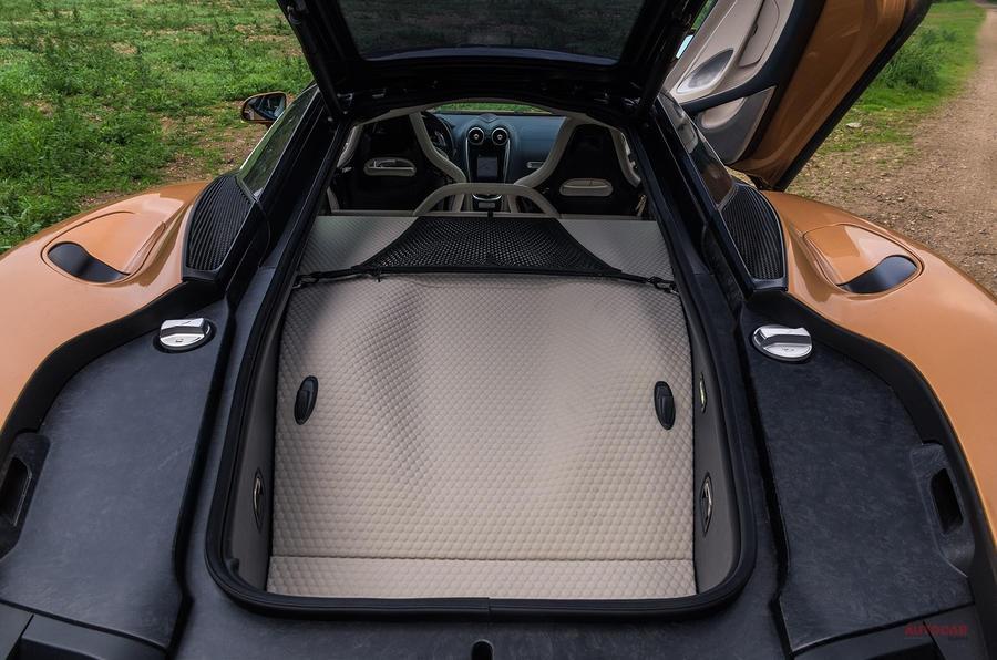 スーパーカー側のグランドツアラー マクラーレンGT V8ツインターボ620ps