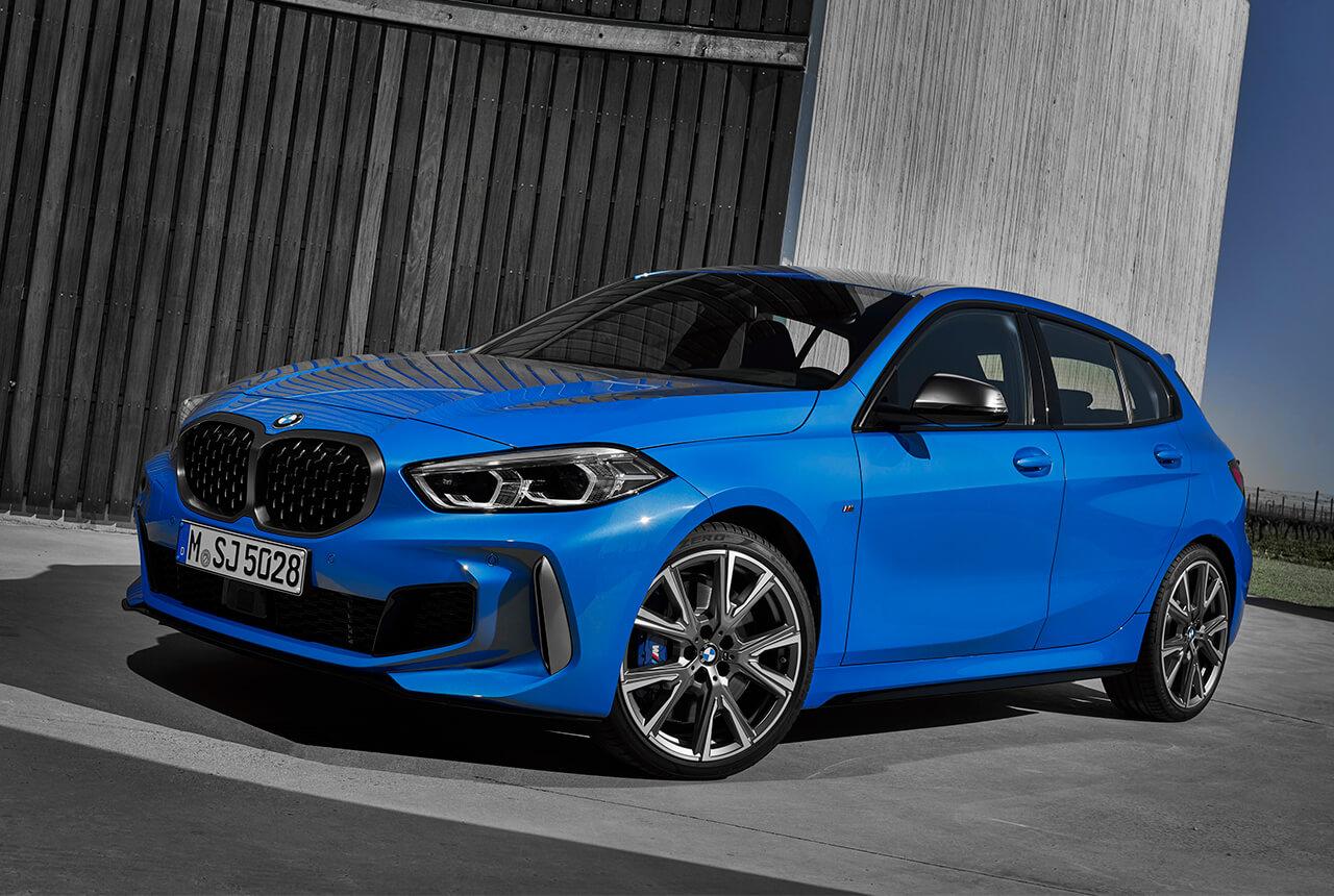 「これでいいのだ!」天才バカボンが 「BMW1シリーズ」とコラボ