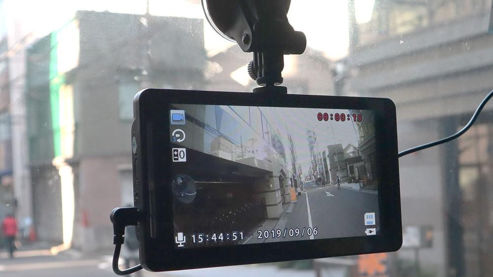 15mのロングケーブルでトラック、トレーラー、バスにも搭載できる!サンコーのリアカメラ付きドライブレコーダー