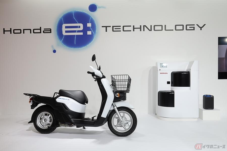 電動バイク普及の鍵は全国2万3896店舗の「郵便局」? 将来的には充電ステーション化も視野に