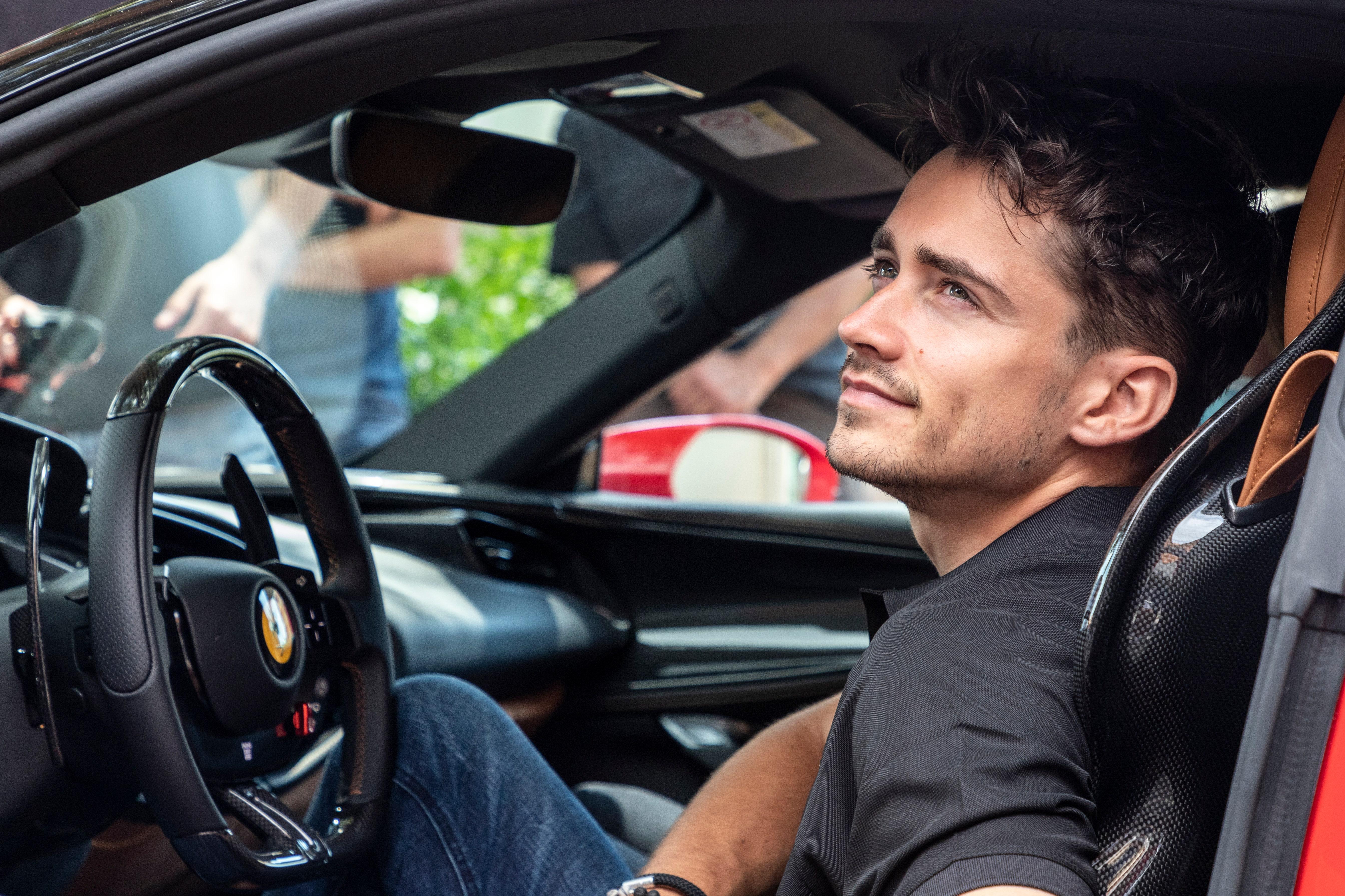 ルルーシュ監督の名作短編『ランデヴー』の続編を観たか? フェラーリ「SF 90ストラダーレ」がモナコのGPコースを爆走した
