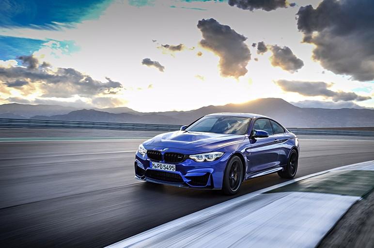 GTSよりライトチューンなBMW M4 CSが発表される。ニュルのタイムは7分38秒
