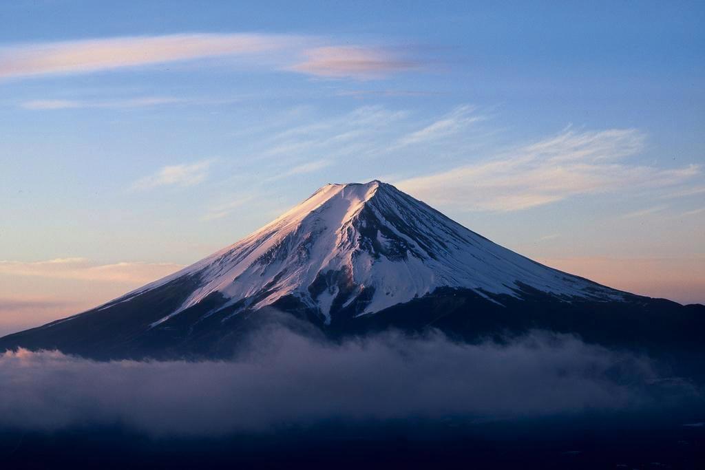 太宰治が「註文通り」とけなした端正な富士の姿を仰ぎ見る(山梨県 御坂峠)【雲海ドライブ&スポット Spot 34】