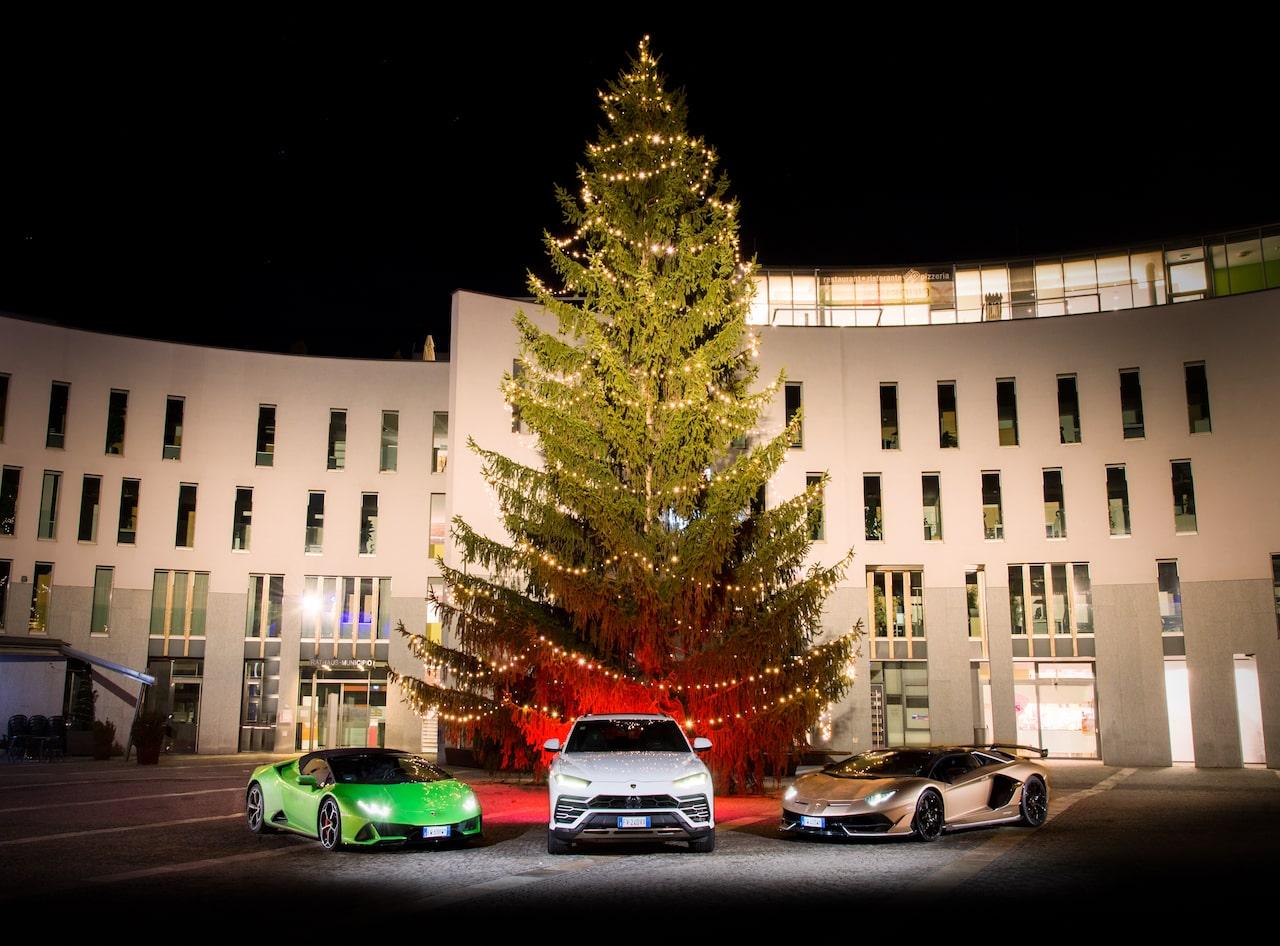ランボルギーニ「クリスマス ドライブ 2019」の様子を追った90秒の動画を公開【動画】