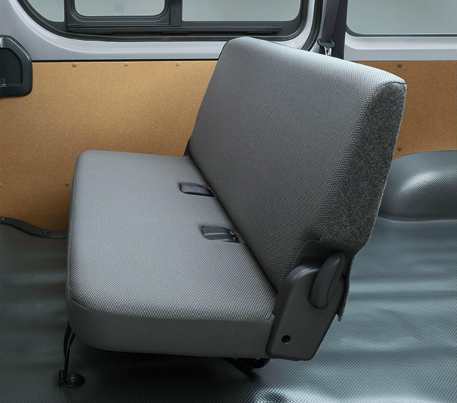マツダ ボンゴブローニイバンを発売 トヨタからOEM供給を受けるハイエースの兄弟車
