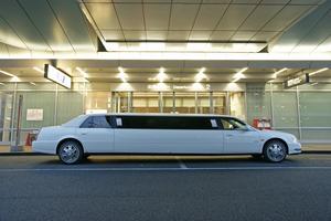 日本でリムジンに採用されている車5選