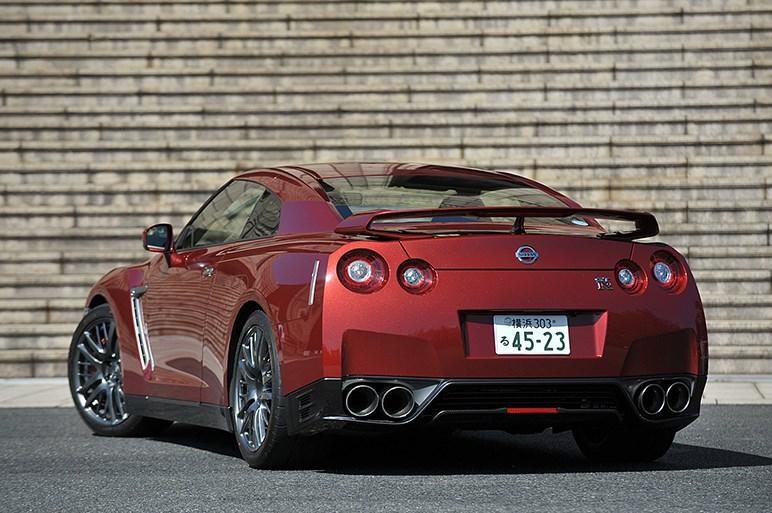 日産GT-R・17年モデルに試乗。内外装デザインの変更と走りの深化の狙いとは?
