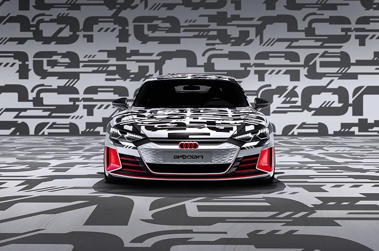 アウディの新EV「e-tron GT concept」登場 航続距離に配慮しつつも最高速度240km/h