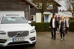 ハイン家とシモノフスキー家 ボルボの自動運転車の開発を支えるスイスの家族たち