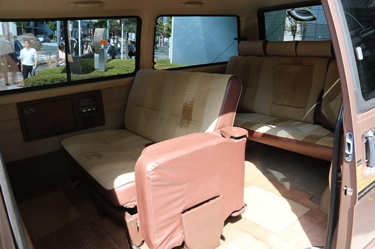 デリカ D:5に特別仕様車追加&デリカ誕生50周年で5世代勢揃い