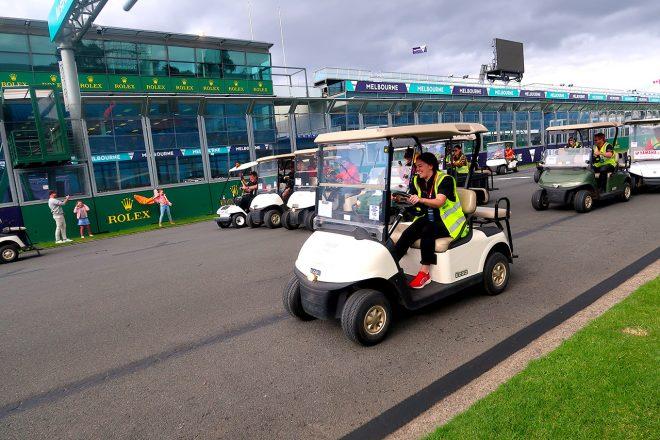 F1 Topic:グランプリ中止後のメルボルンを電動カートが走る。1周15分のレースが開催