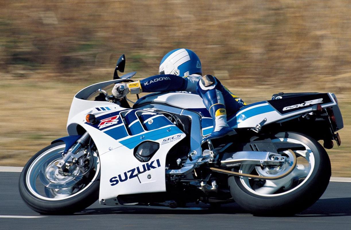 90年代を駆け抜けた「4スト4気筒400&250スポーツ」CBR・FZR・FZR・ZXR【花の90年代組】