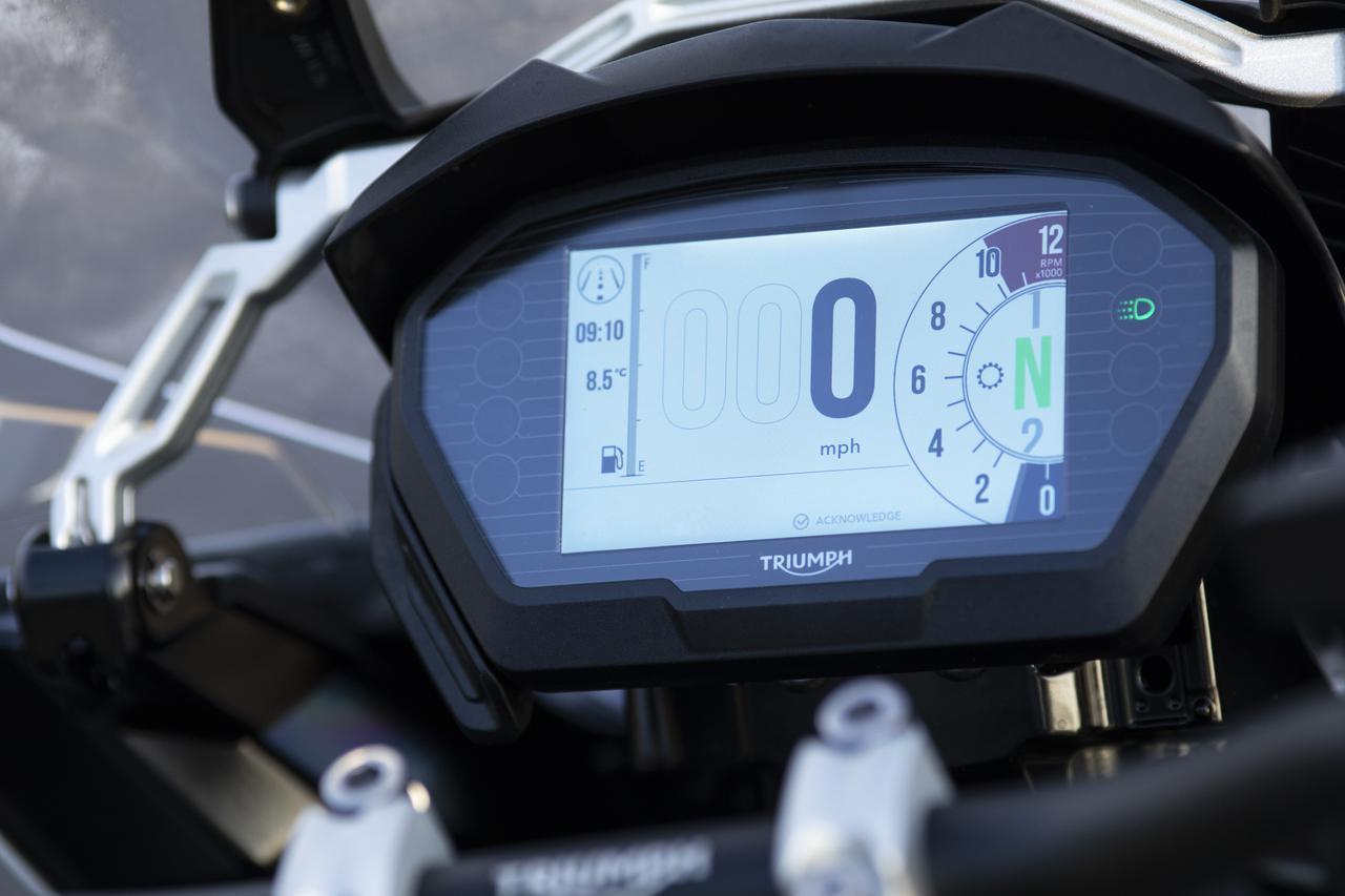 【ニューモデル】トライアンフのフラッグシップ・アドベンチャー「TIGER 1200 DESERT スペシャルエディション」が2020年春に発売されます!