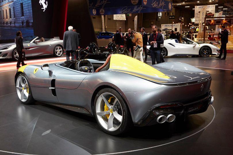 100万ドルのフェラーリは古くて新しい!──フェラーリ新型モンツァSP1&SP2登場!(パリサロン速報)