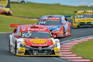 ブラジルの人気レース『SCB』、第2戦で元F1ドライバーのゾンタが優勝。バリチェロも2位に食い込む