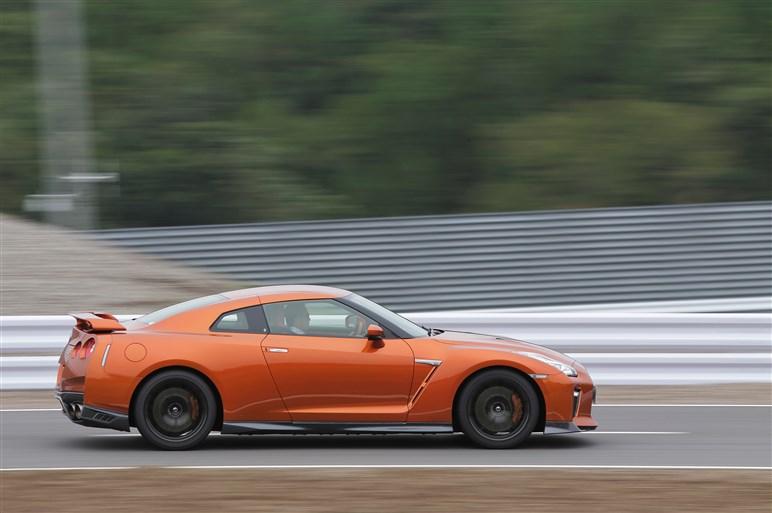 NSXとGT-R、限界走行テストはスマホとガラケーぐらい別モノだった!?