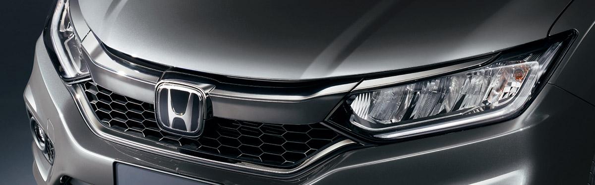 ホンダ「グレイス」にスポーティな特別仕様車「ブラックスタイル」発売