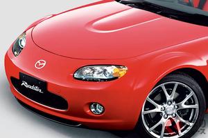 マツダ3代目ロードスターは初の3ナンバーモデルへ! 世界最速の電動ルーフ仕様も登場