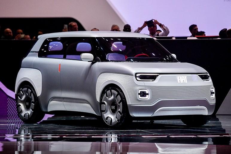 フィアット、「選択の自由」が魅力な小型EV「チェントベンティ」を初披露