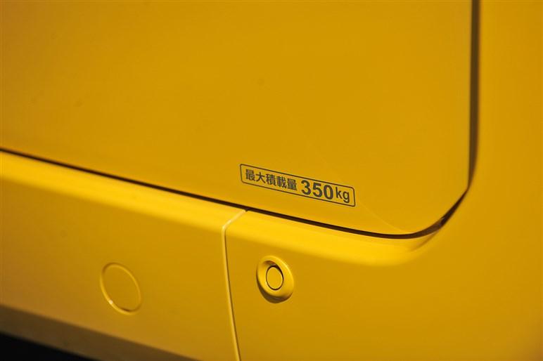 N-VAN発売。N-BOX由来のFFレイアウトで軽バンの常識を破れるか?