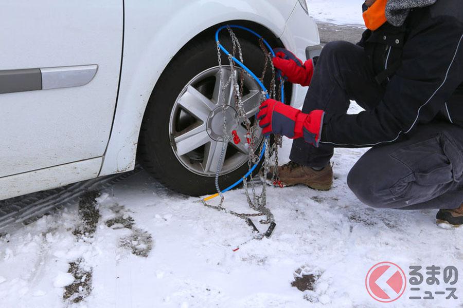 雪でクルマが立ち往生! 脱出時の対処法や備えておきたいグッズとは