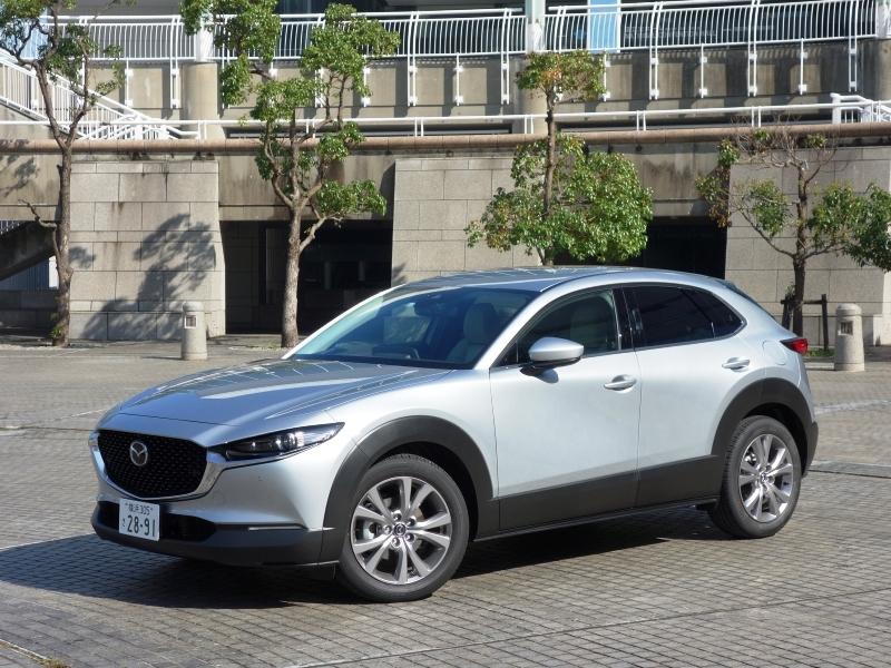 狭い道の走行、Uターンなど運転のしやすさは文句なし!マツダの最新SUV「CX-30」試乗レポート