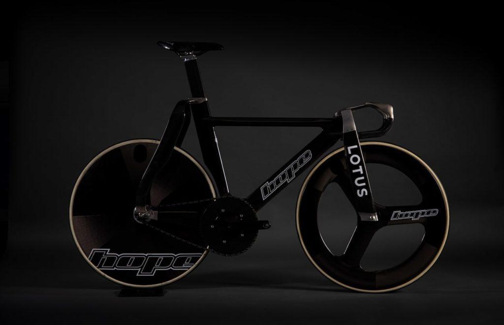 ロータスが自転車界に帰ってきた! 最先端のトラックレーサーで東京オリンピックを目指す