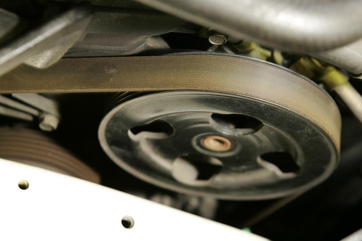 クルマのエンジン始動直後に聞こえる不快なキュルキュル音! 音の正体と対策とは