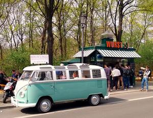 希少なワーゲンバスでベルリン観光!極上のVW・T1で様々なサービスを提供する「T1-Berlin」をご紹介