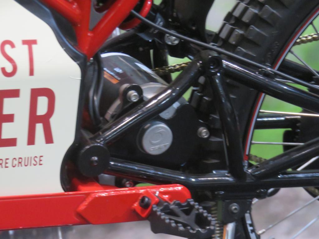 【免許不要の電動バイク遊び/フォレストライダー】意外と本格的だから、大人もちゃんと楽しめる。/東京モーターサイクルショー2019