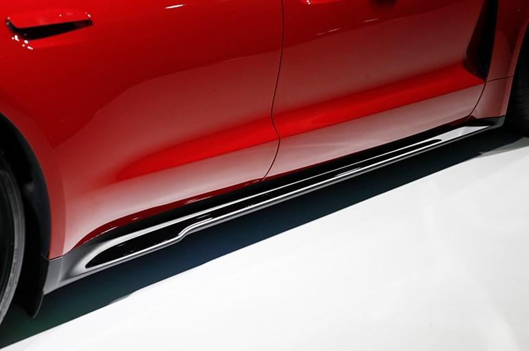 電動ポルシェ・タイカンの日本発売は来年夏、最上級グレードは2000万円オーバーか