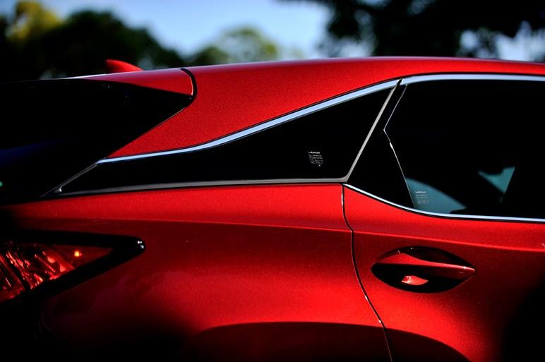 新型レクサスRXに試乗。クルマ好きにとっての狙い目グレードはどれ?