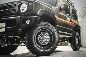 SUVの流行でジワジワきてる「白文字タイヤ」の6つのギモン
