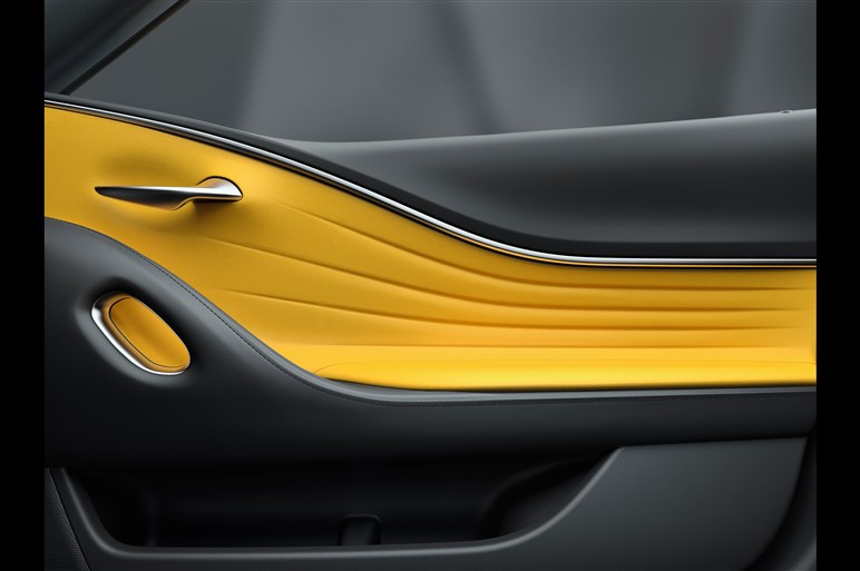 レクサス、「RC」の改良型など4モデルをパリモーターショーで公開