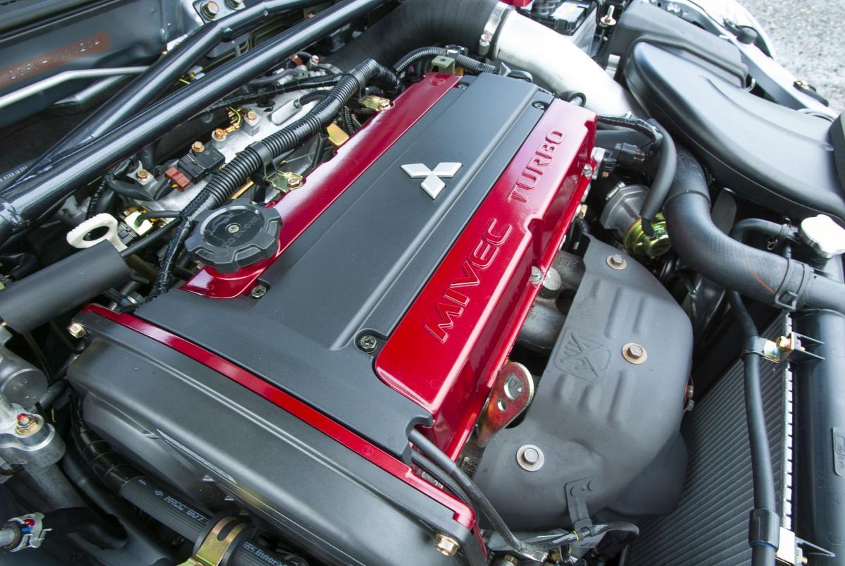 一見鈍足なのにエンジンは強烈! スポーツカーをぶっちぎれる異端のクルマ5選