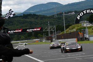 ブランパンGTワールドチャレンジ・アジア:富士戦レース2は12号車アウディが激戦を制す